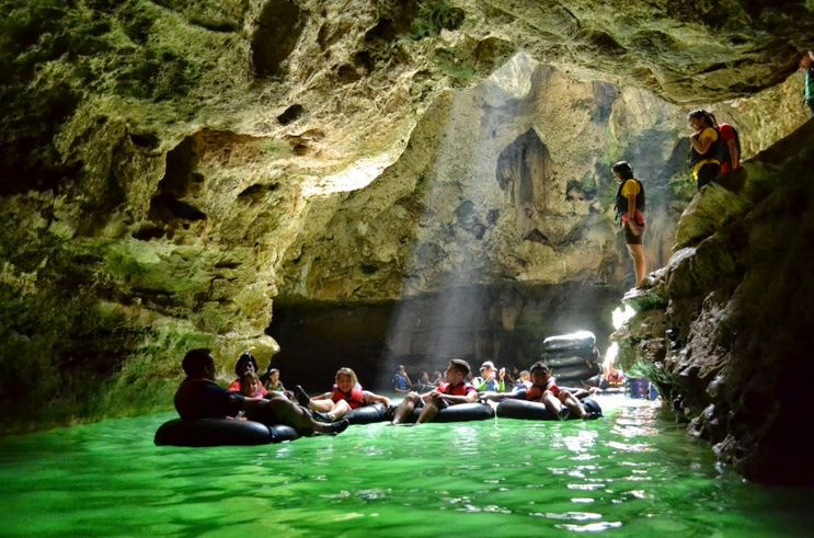 Cuma Buat Petualang Sejati, Cave Tubing Di Goa Pindul Gunung Kidul